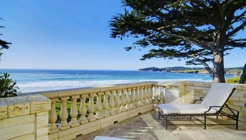 Merry Christmas, I hope you like it ~ Carmel: 'Gene Hackman house' goes for $27 million. The main parcel, the Stone House, which has four bedrooms, five bathrooms and two half baths, is a 12,688-square-foot structure that sits on 2.37 acres of oceanview real estate near the 10th hole of Pebble Beach Golf Links and was listed for $37.5 million. #happyholidays #carmel #pebblebeach
