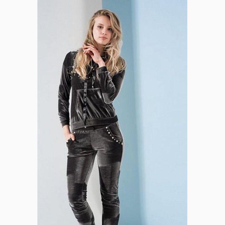 5da222066fcd0a Velor Tracksuit | Women Fashion Looks at Chopni | Pinterest | Womens ...
