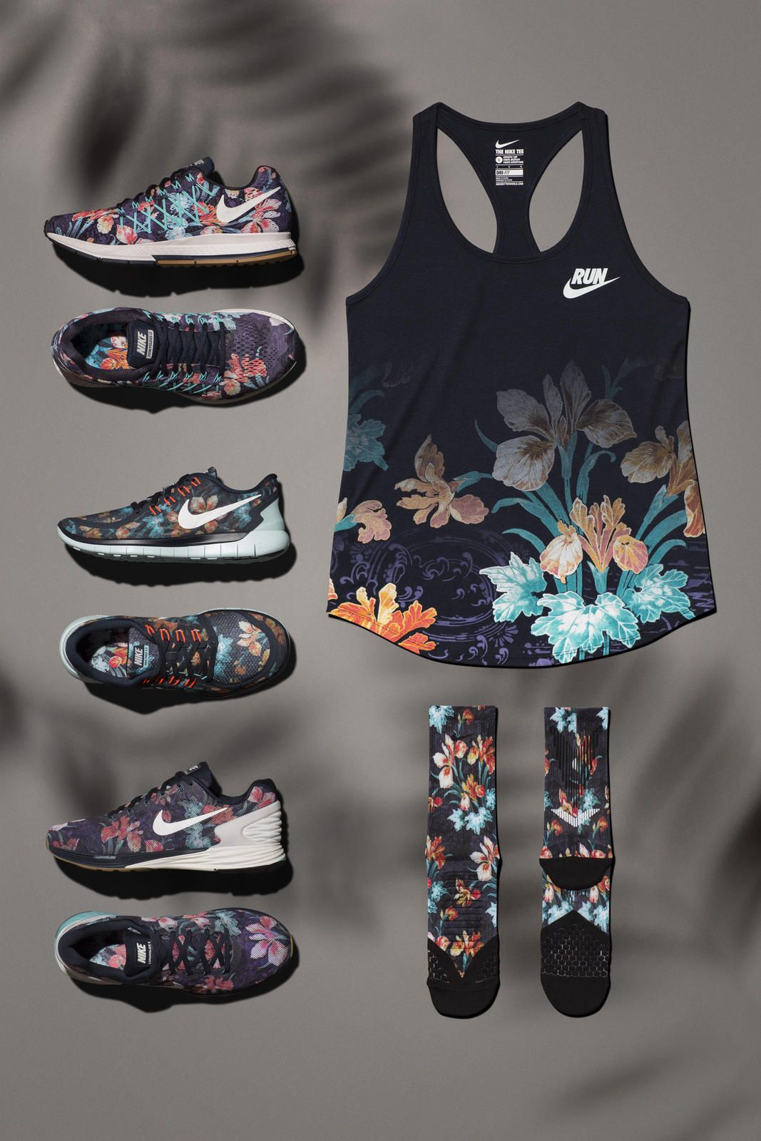 NIKE WOMENS vivid pink athletic shoes Sz new NIKE WOMENS vivid pink  athletic Custom Nike Roshe Black and Gold splatter design* Custom Roshes*  Womens and ...