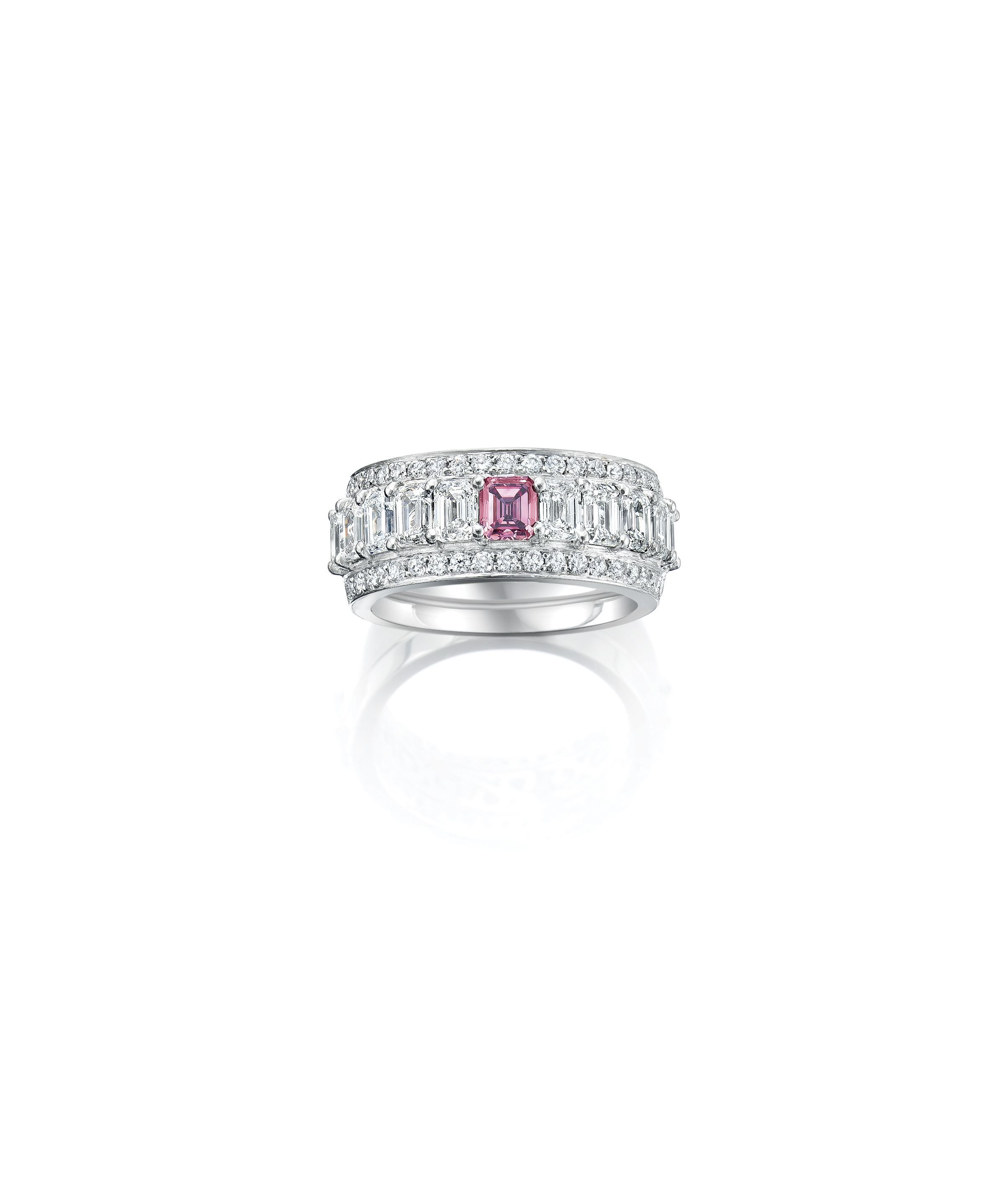 An Australian Argyle Pink Diamond Features In This Stunning Dress