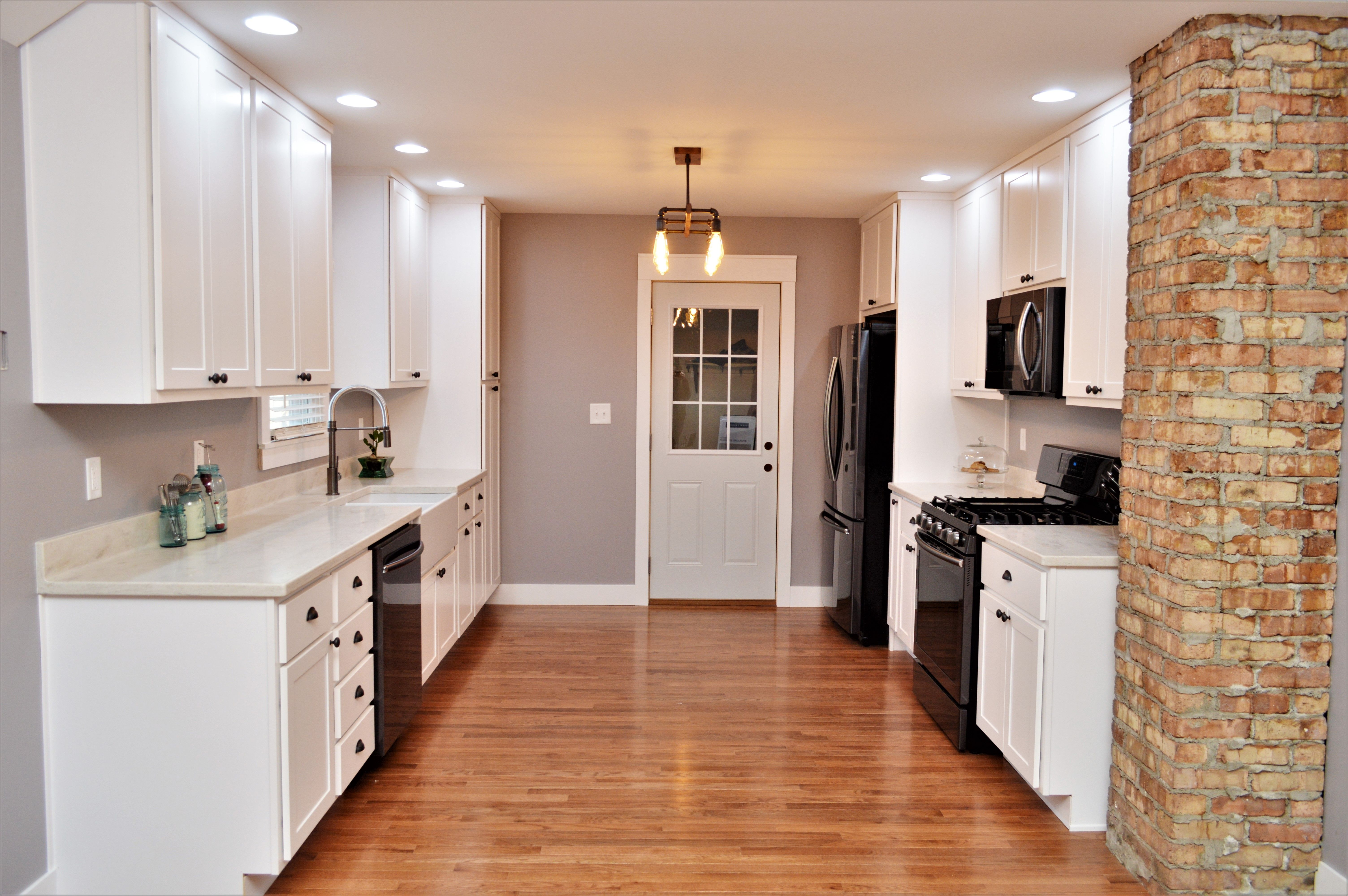 Cabinet Brand BaileyTown USA, Wood Species Maple, Cabinet Finish ...