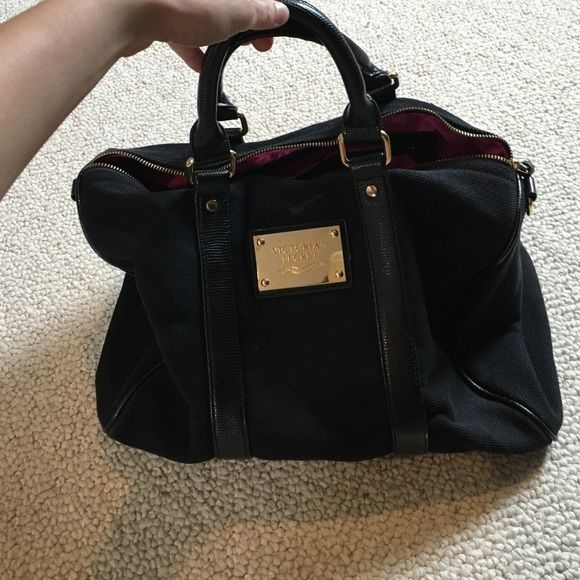 Victoria's Secret bag Victoria's Secret bag! Carried two times for different vacations so in great condition! PINK Victoria's Secret Bags Travel Bags