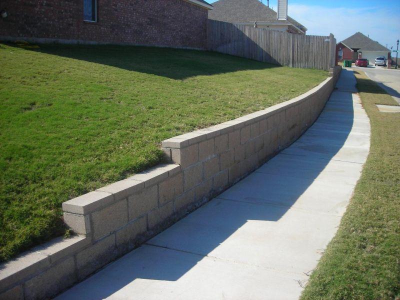 Cmu wall with cmu cap garten minamoto top garden for Slump block construction