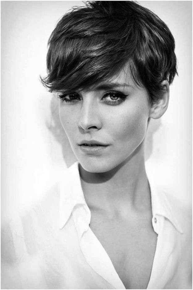 Cortes de pelo asimétricos para el otoño/invierno 2014-2015: fotos de los looks - Corte asimétrico con flequillo