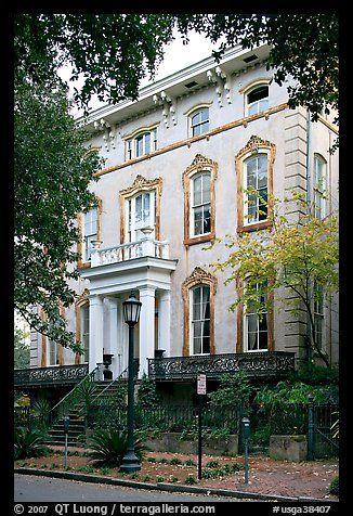 Mansion, historical district. Savannah, Georgia, USA