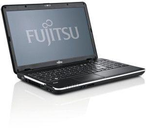 "Oct13_OptF -- Fujitsu Lifebook A512 15.6""/Intel Celeron 1000M/2 GB/320 GB/Windows 8 Professional - kannettava tietokone."