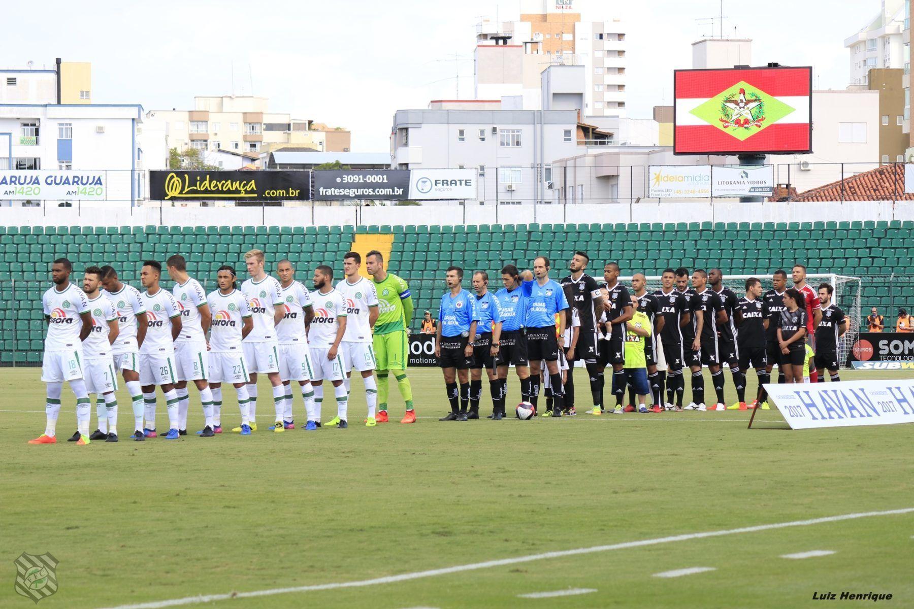 Chapecoense Vence O Figueirense Em Florianopolis Com Imagens