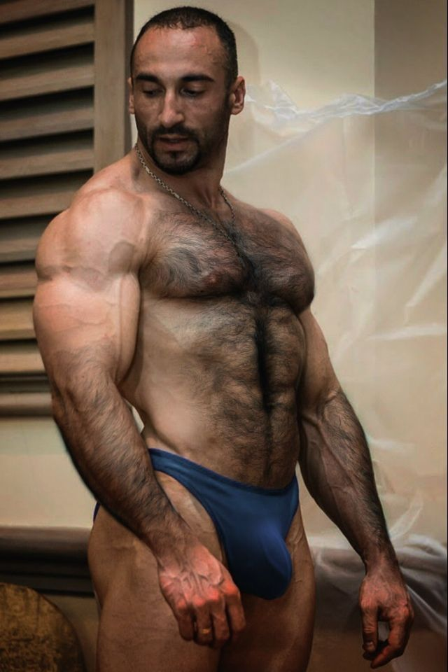 Hairy Muscular Men Naked