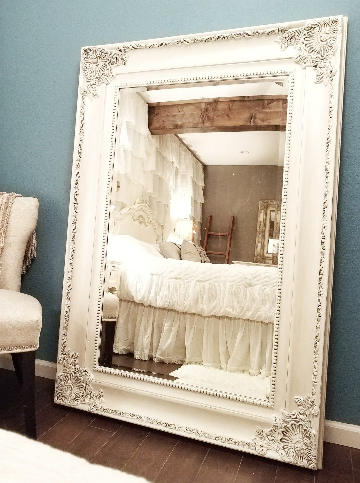 Beautifull Ornate Mirror Painted In Annie Sloan Mix Of Old White Pure White And Pearl Plaster Facebook Com White Ornate Mirror Mirror Painting Ornate Mirror