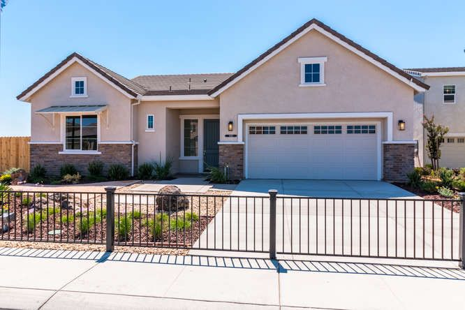 New Homes Manteca Oakdale Ca Raymus Homes Builder California New Home For Sale California Ranch Style Homes Exterior Light Fixtures Exterior Lighting