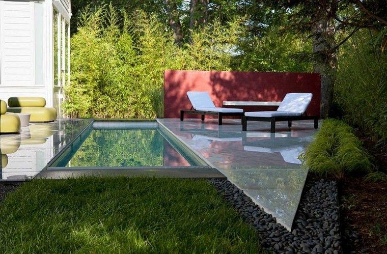 Una piscina peque a en el patio trasero un gran capricho for Diseno patio exterior casa