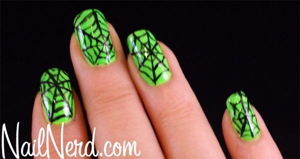green Halloween nails nail-art | Halloween nails ...