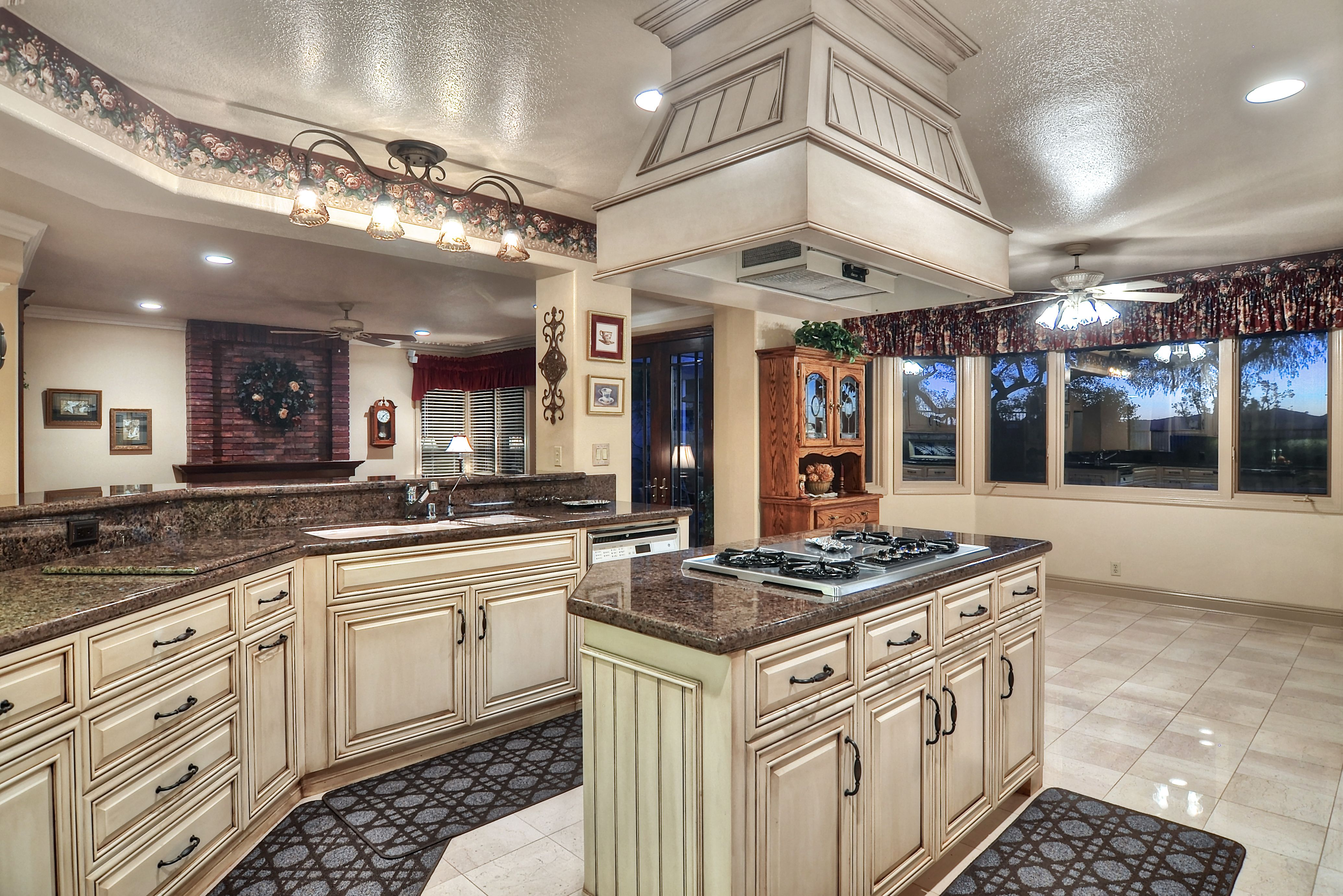 Light Cabinets And Dark Counter Tops For The Kitchen. Love The Look Of That  Island