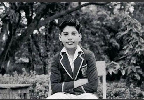 Freddie Mercury Boarding School Picture As A Young Boy School Pictures Freddie Mercury Boarding School