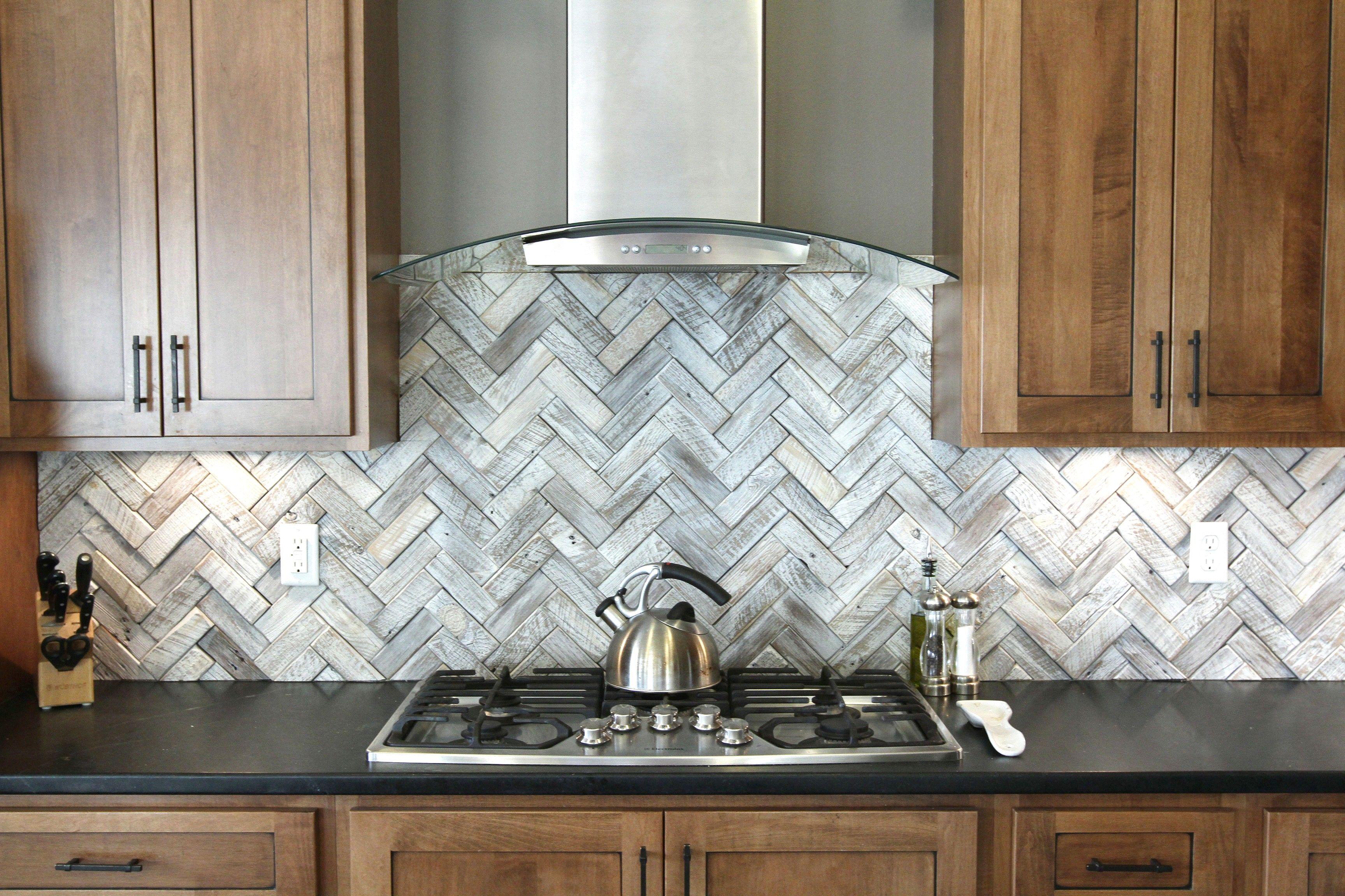 Beautiful Tile Backsplash Patterns For Kitchen Decor Faux Stainless Steel Herringbone Backsplash Black Granite Kitchen Countertops Herringbone Tile Backsplash