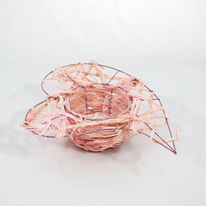 Flormania Cesto Forma De Coração Com Estrutura Metálica