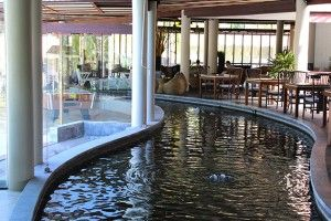 Hotelbericht_The_Haven_Khao_Lak_Reiseblog_Thailand_Teich_im_Haupthaus_Travelblog_Luxusresort
