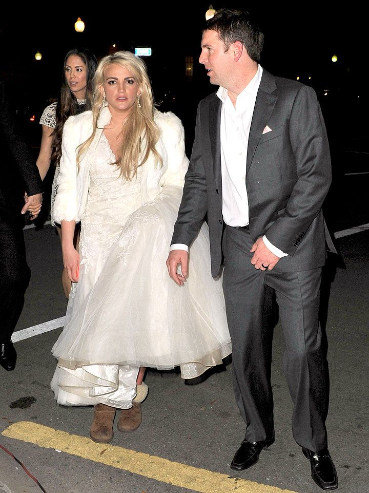 So What If Jamie Lynn Spears Wore Uggs With Her Wedding Dress Jamie Lynn Spears Celebrity Wedding Photos Jamie Lynn