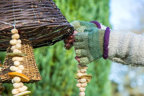 GARLAND SUMMER GARDEN GREEN HANGING LANTERN BIRD SEED AND NUT FEEDER HANGING