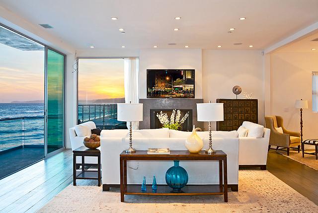 Bon Pretty Beach Sitting Room In A Beach House. What A Beautiful View Of The #