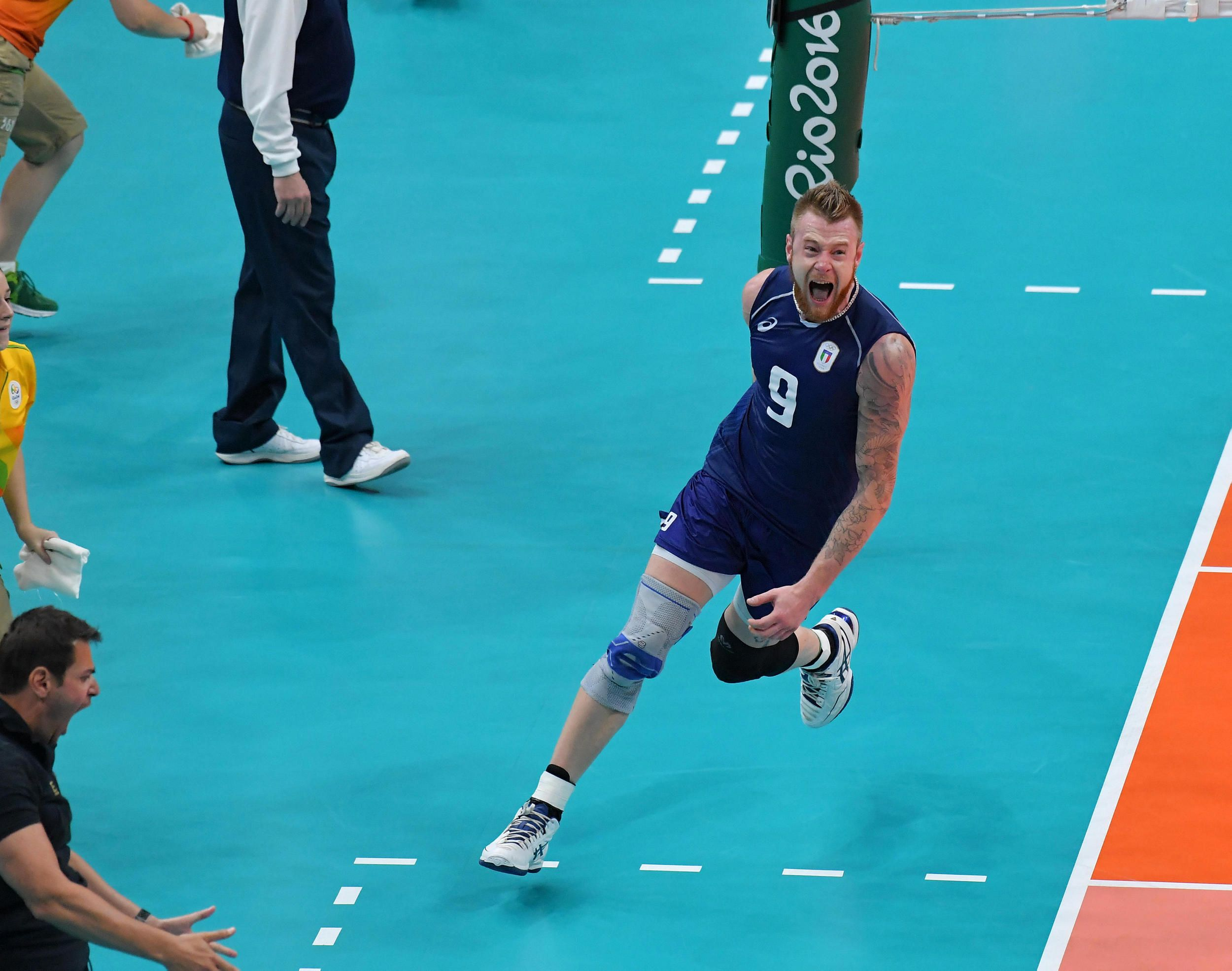 Ivan Zaytsev Celebrates A Point Against Usa In 2020 Volleyball Sports Athlete