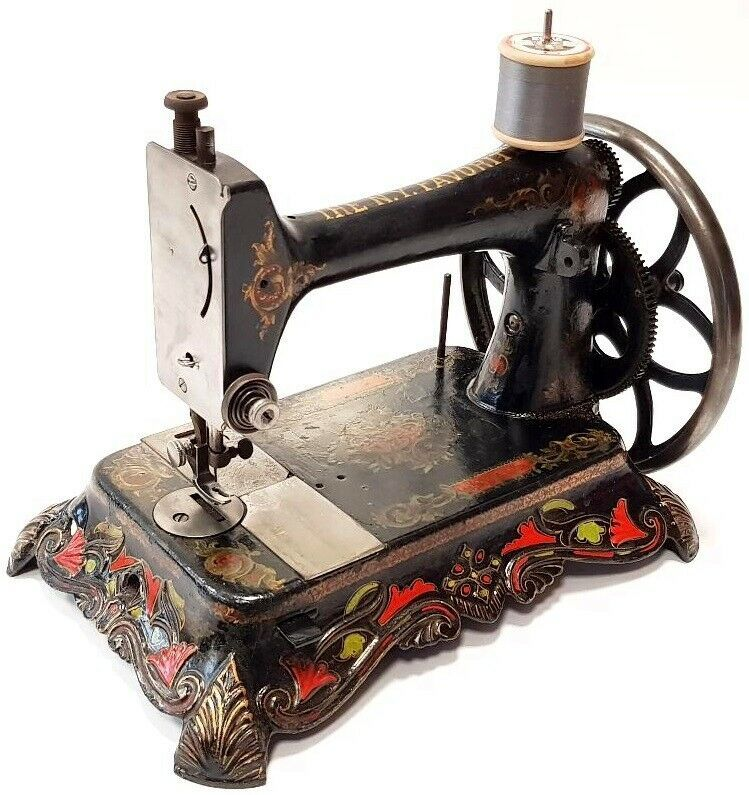 THE N.Y.FAVORITE SEWING MACHINE. I DO NOT HAVE INFORMATION ...