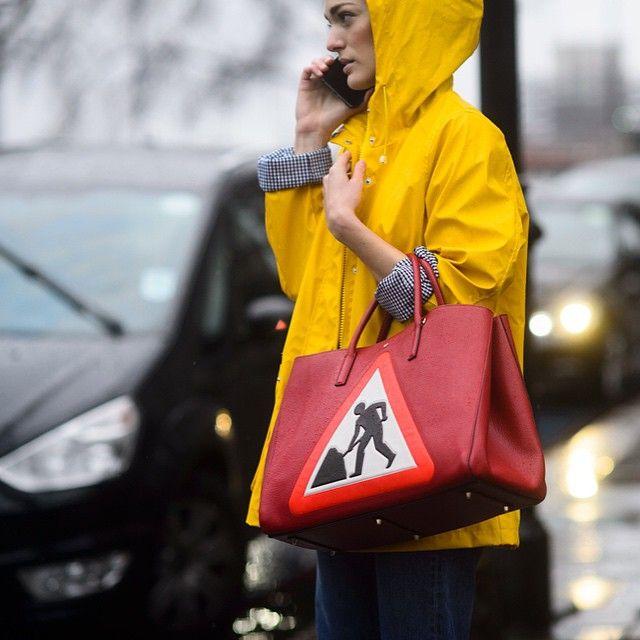 「#Le21eme x #AdamKatzSinding •  www.Le21eme.com •  @Chufy #SofiaSanchezDeBetak #SofiaSanchezBarrenechea #London #FW15 #FashionWeek #LFW #England #Street…」