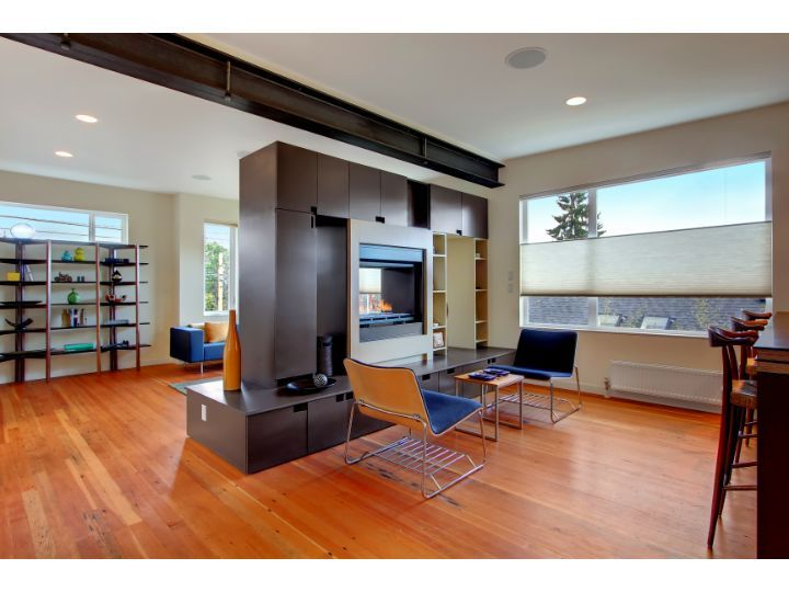 like the open floor plan but division between the kitchen and