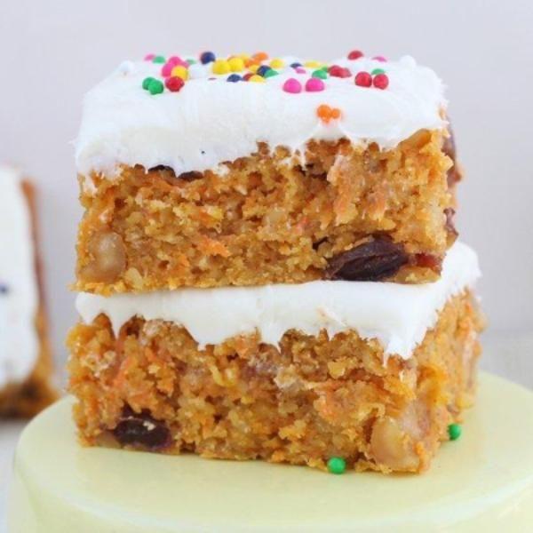 Easy carrot cake bars recipe