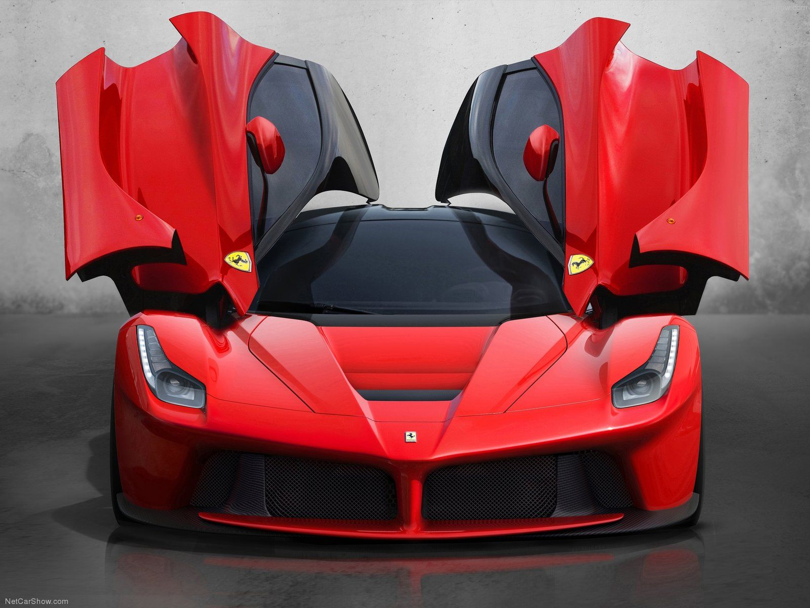 Charming Ferrari LaFerrari 2014 Background HD Wallpaper