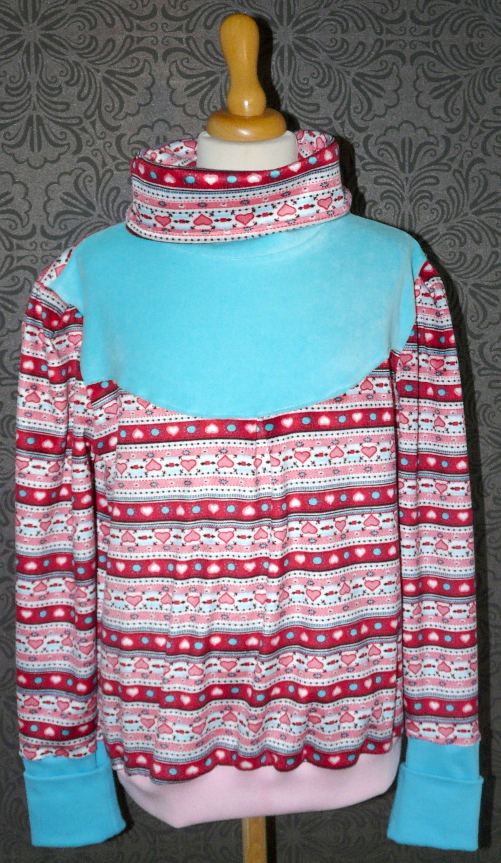 Ein Winter Pullover für meine Tochter aus ganz weichen Nickistoff.