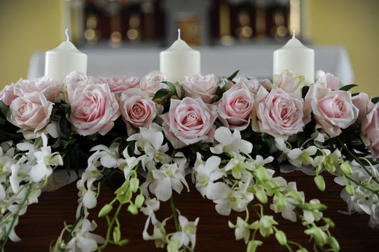 Church wedding decorations altar flowers church wedding church wedding decorations altar flowers junglespirit Image collections