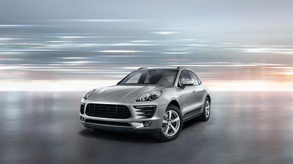 Porsche Launched Its Midsized Suv Macan In India In Petrol Variant