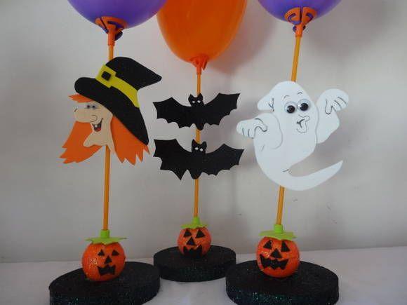 Kit Halloween com 10 pecas. 02 Fantasamas, 02 Bruxas, 02 Morcegos, 02 aboboras e 02 Gatos Pretos . Base em Isopor. Acompanha uma vareta porta baloes e baloes nas coreÇ, preta, roxa e laranja. R$ 60,00