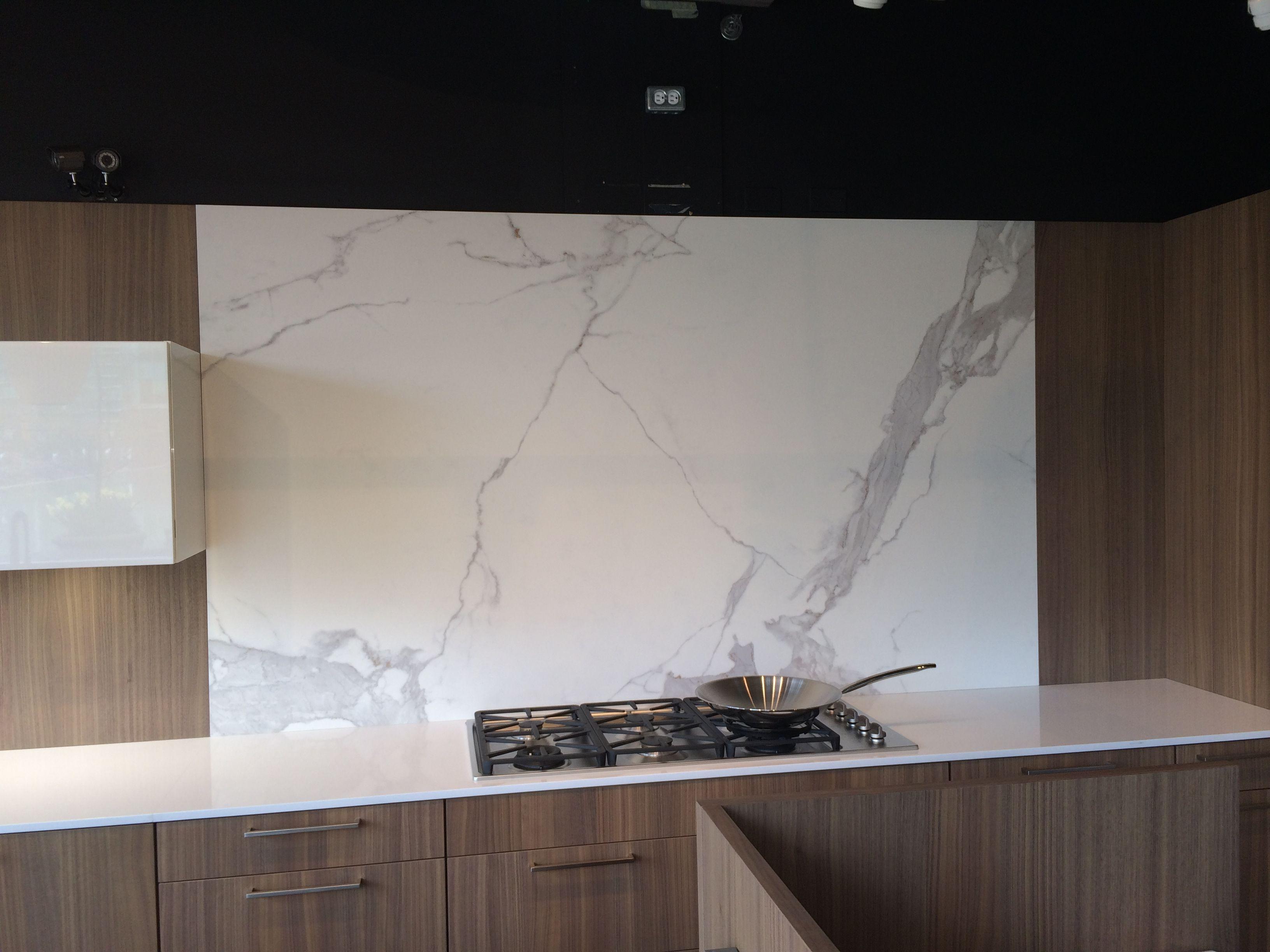 Kitchen Furniture Vancouver Estatuario Neolith Backsplash In The Ultimate Kitchens Showroom
