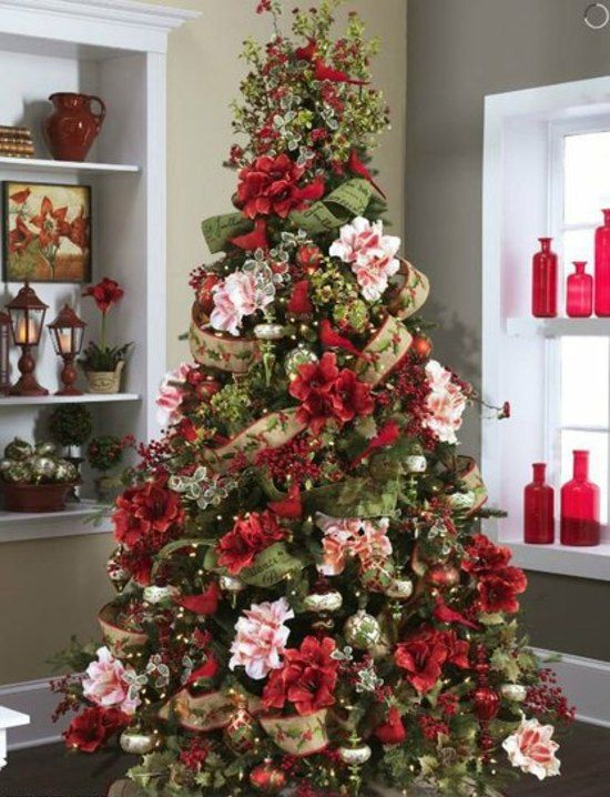 weihnachtsbaum dekoration idee blumen indoor christmas in red weihnachtsbaum. Black Bedroom Furniture Sets. Home Design Ideas