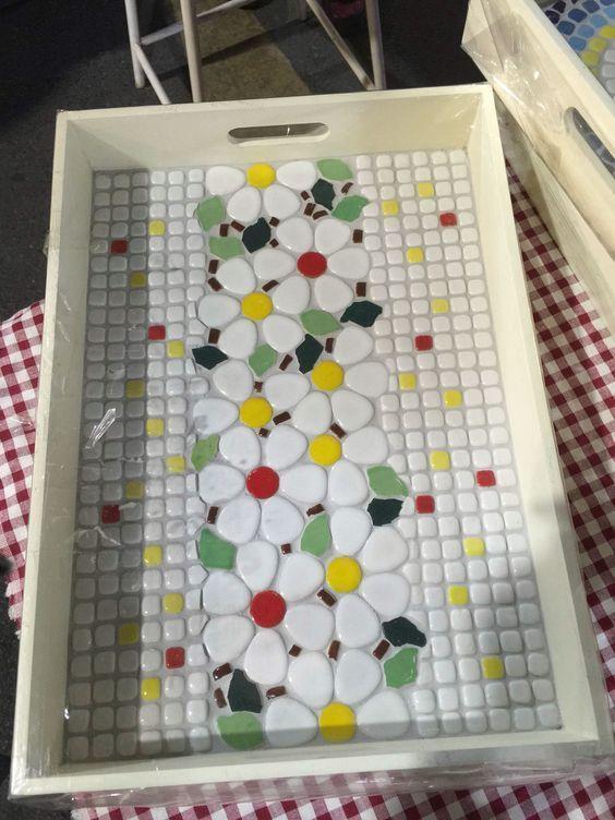 Image result for mesas con mosaicos   Мозаика   Pinterest   Mesas ...