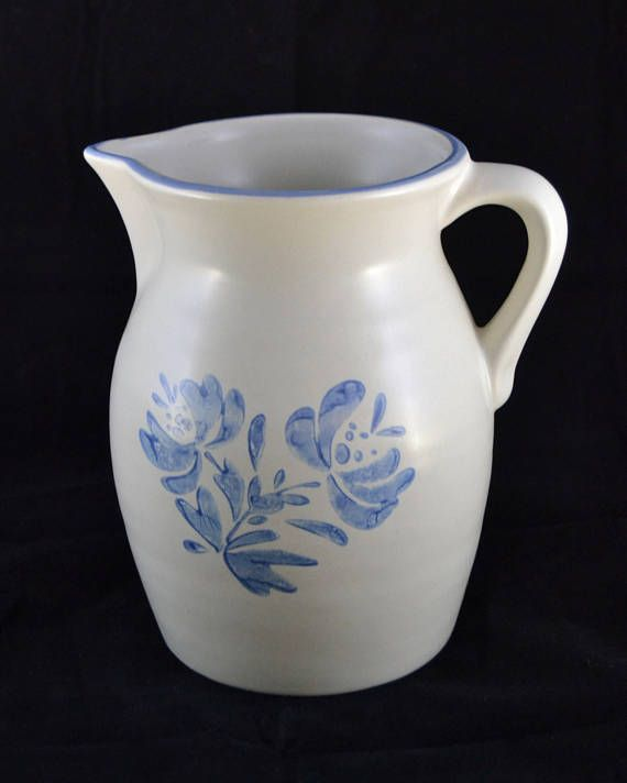 Pfaltzgraff Yorktowne PITCHER 64 oz. retro retired vintage folk art blue and white dinnerware classic beverage container & Pfaltzgraff Yorktowne PITCHER 64 oz. retro retired vintage folk ...