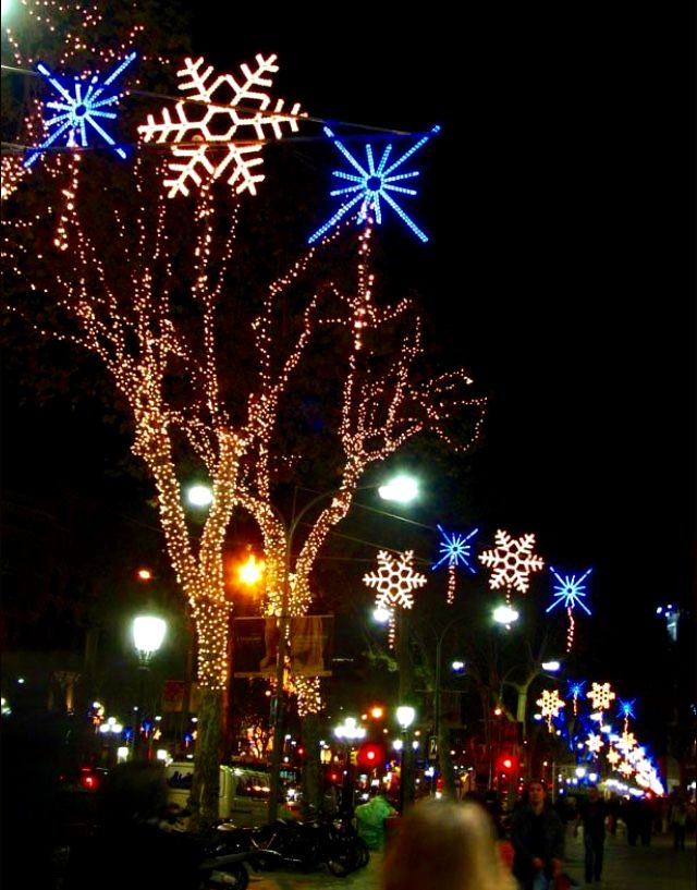 I love the created light images that are done in honor of Christmas ...
