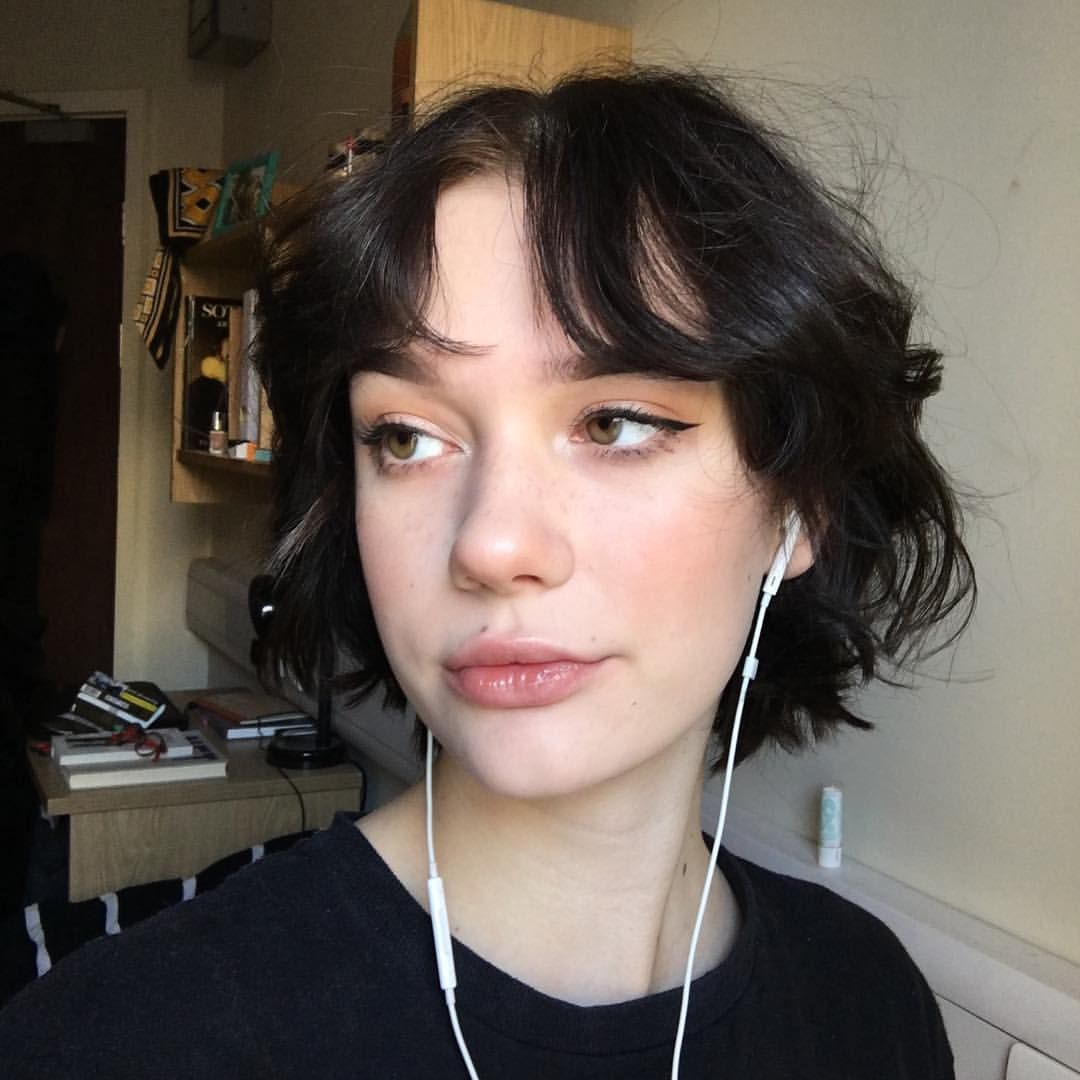 E Girl Hairstyles Are You Brave Enough To Try Tiktok S Latest Hair Trend In 2020 Hair Color Streaks Hair Styles Hair Streaks