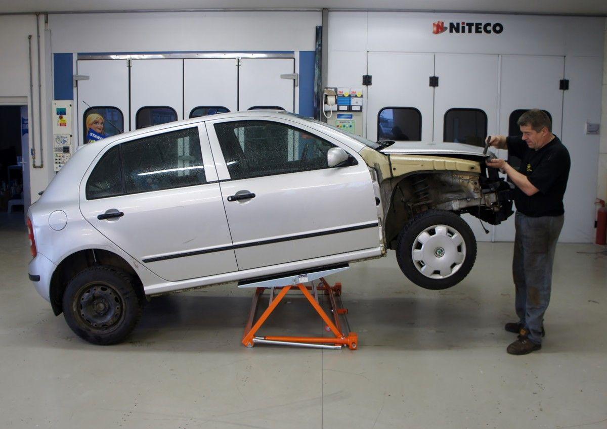 Autolift 3000 easylift 1500 autolift 3000 garage for Garage gdn auto