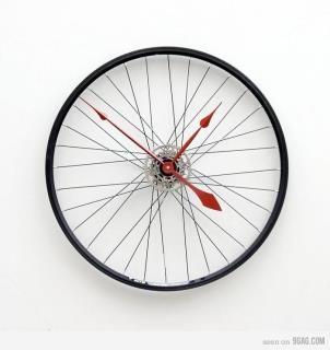 Ooh I D Love To Turn An Old Bike Wheel Into A Clock On The List It Goes Wheel Clock Bicycle Clock Home Decor Australia