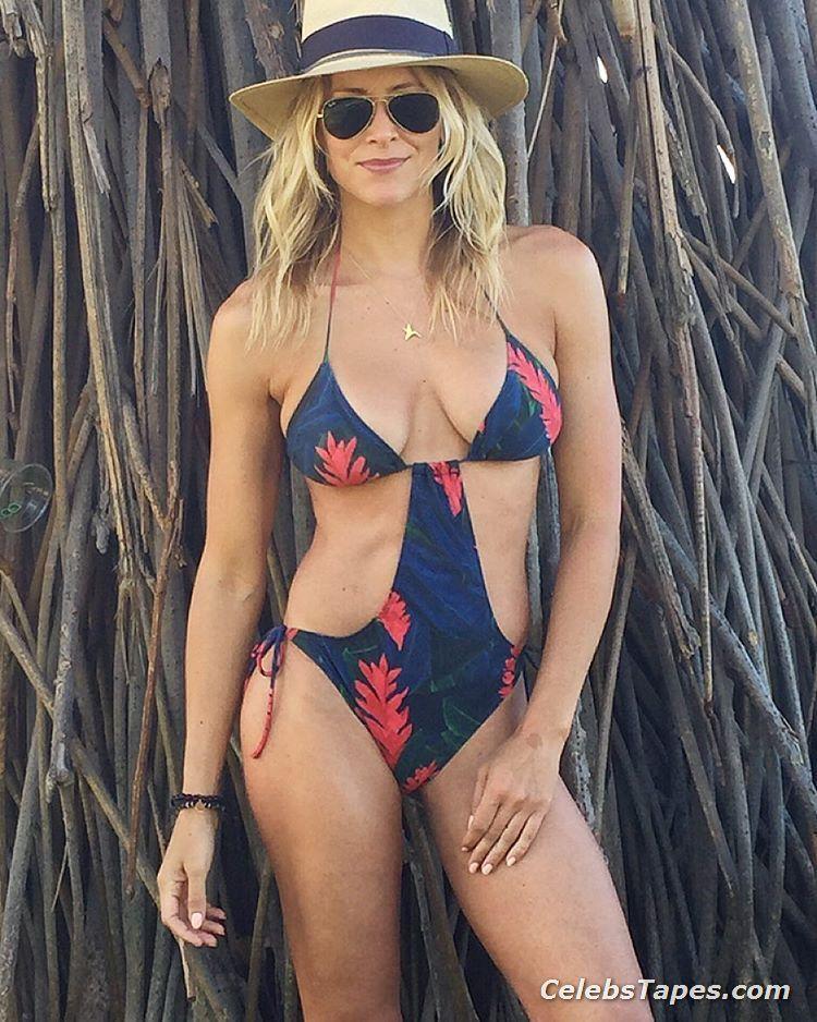 Brittany daniel bikini ass nude 6