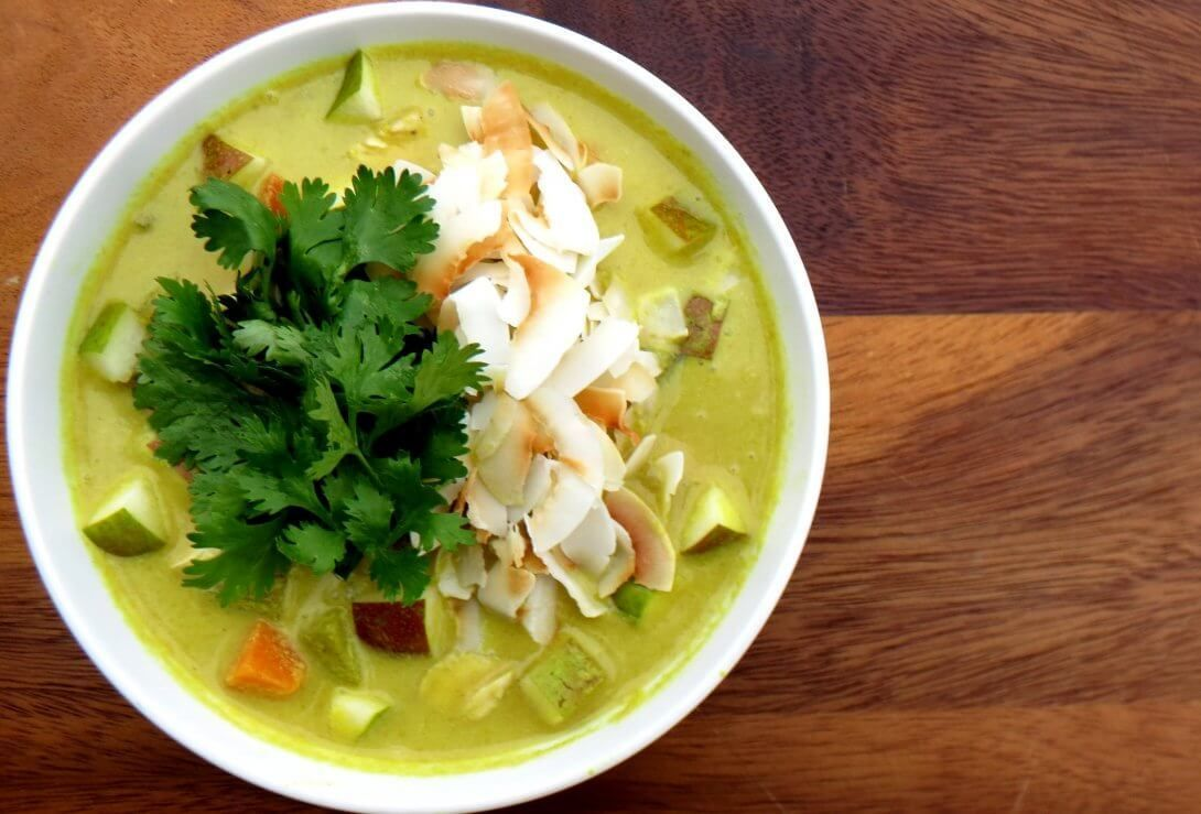 Mulligatawny Soup with Chicken, Pears, and Coconut #mulligatawnysoup mulligatawny soup with chicken pear coconut curry #mulligatawnysoup Mulligatawny Soup with Chicken, Pears, and Coconut #mulligatawnysoup mulligatawny soup with chicken pear coconut curry #mulligatawnysoup