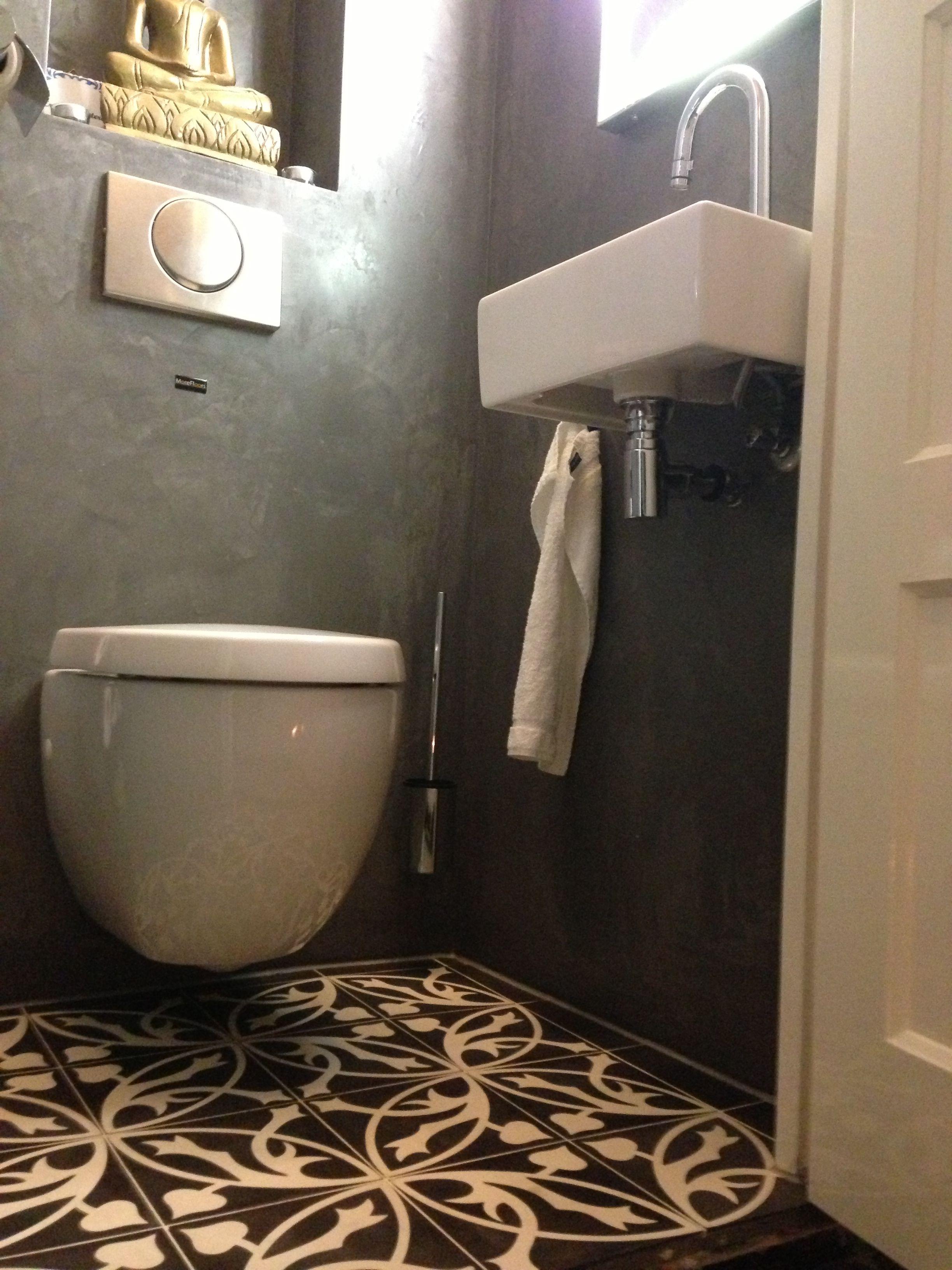 Beton Cire Beton Fliesen Alles Auf Kleinstem Raum Castelo Vloer Zwart Wit 20 X 20 Cm Toilet Toilet Kleine Badkamer Design Badkamer