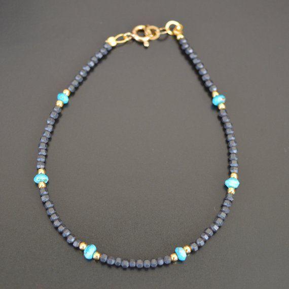 Photo of Hämatit und Türkis Armband, einzigartige Geschenke für Frau, Wassermann Geburtsstein, minimalistischen Schmuck, dünn Edelsteinarmband, Frauengeschenk