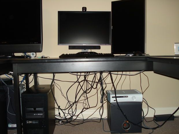 Computer Cable Management On The Cheap Kabel Verstecken