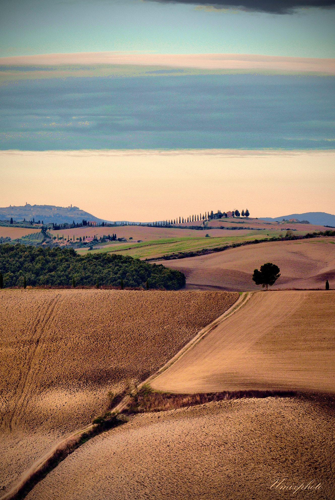 Tuscany Waveys - null