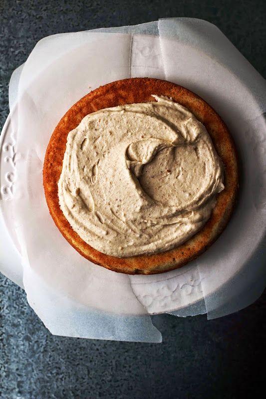 Vanilla Layer Cake with Cashew Cream //