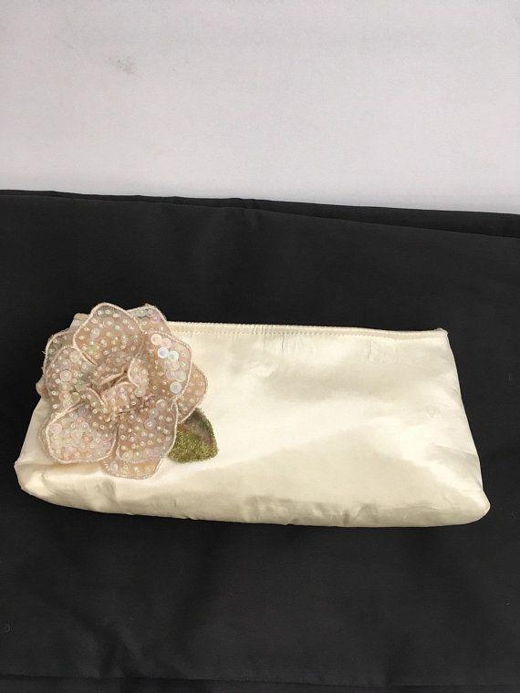 32dea71b43 Vintage Satin Clutch Purse, White Appliqué Beaded Sequin Flower Bag ...